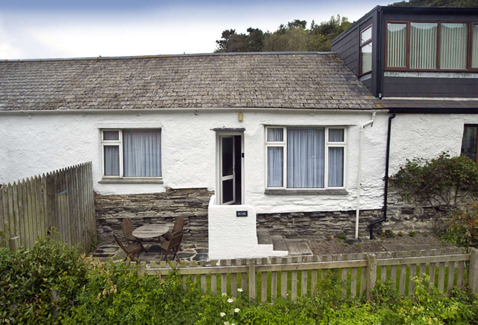 Rose Holiday Cottage (2 bedrooms, sleeps 4)